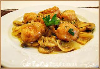 Albóndigas de pollo con champiñones