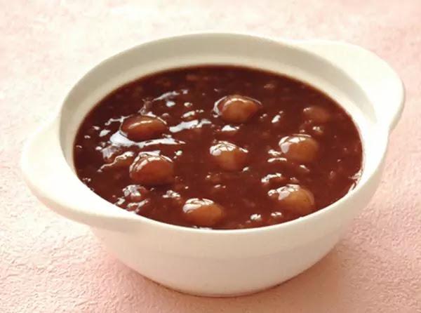 Winter solstice red-bean porridge