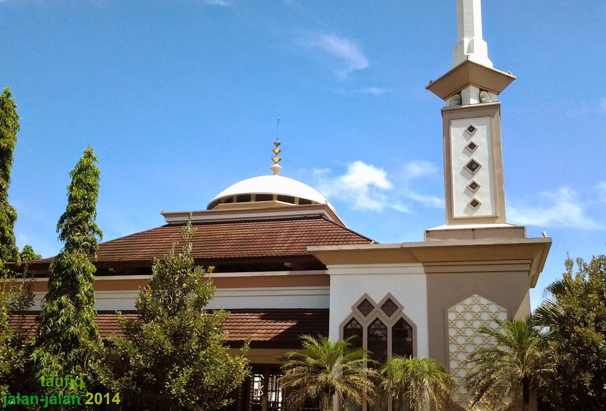 Masjid Al-Azhar Tembalang