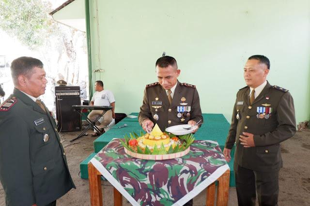 KodimKaranganyar - Potong Tumpeng Sambut HUT TNI ke 74 Kodim 0727 Karanganyar