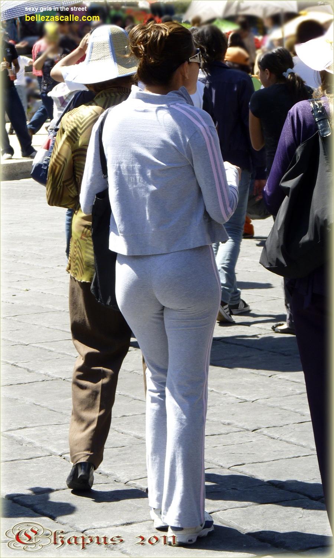 Maduras con trasero grande en la calle  Mujeres bellas