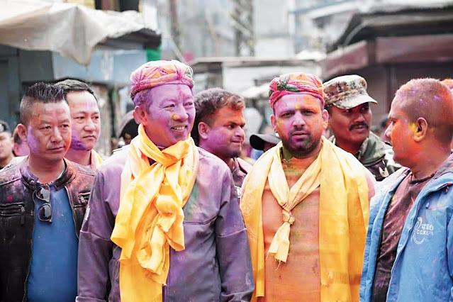 Gorkha Janmukti Morcha leader Binay Tamang and his faction's Darjeeling candidate Keshav Raj Pokhrel