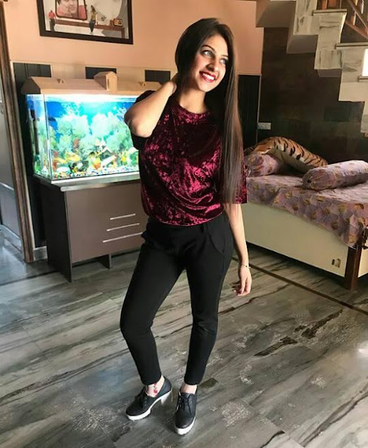Bhojpuri Actress Yashika Kapoor  IMAGES, GIF, ANIMATED GIF, WALLPAPER, STICKER FOR WHATSAPP & FACEBOOK