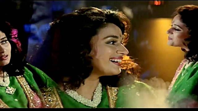 Bahut Pyar Karte Hain Lyrics :- Anuradha Paudwal | Madhuri Dixit