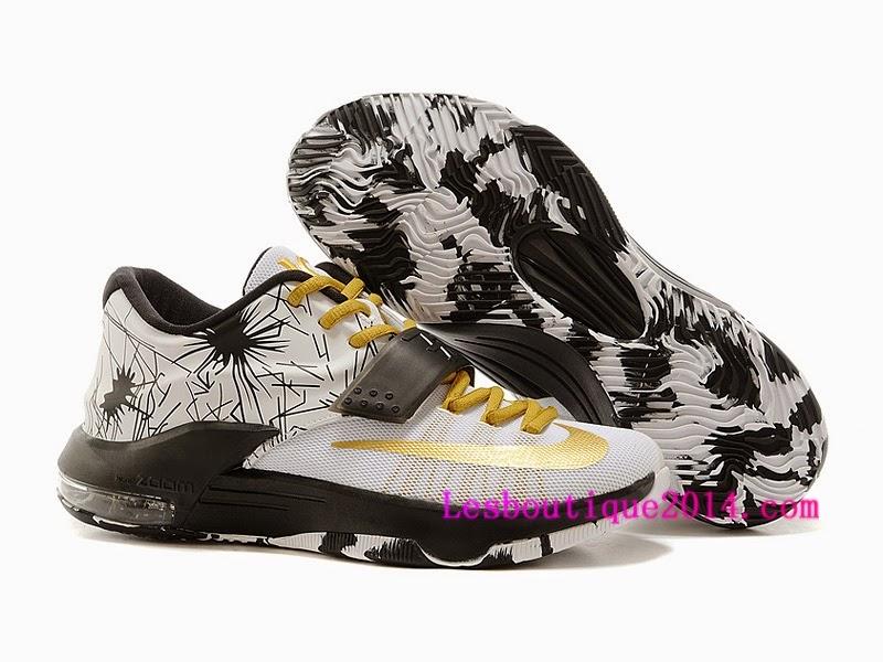 wholesale dealer 809a8 fc459 La chaussure de basket-ball KD7 est conçue pour les joueurs qui excellent  au niveau de la raquette et de la zone du panier, et offre une grande  liberté de ...