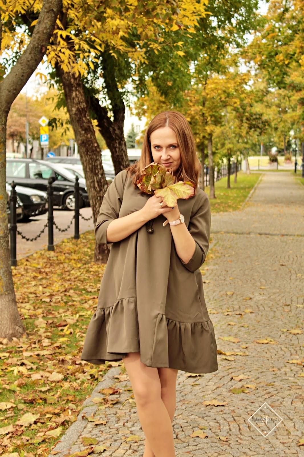Sukienka trapezowa o luźnym kroju Ooh La La - AvocadoStyle