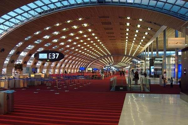 terminal del aeropuerto Charles de Gaulle