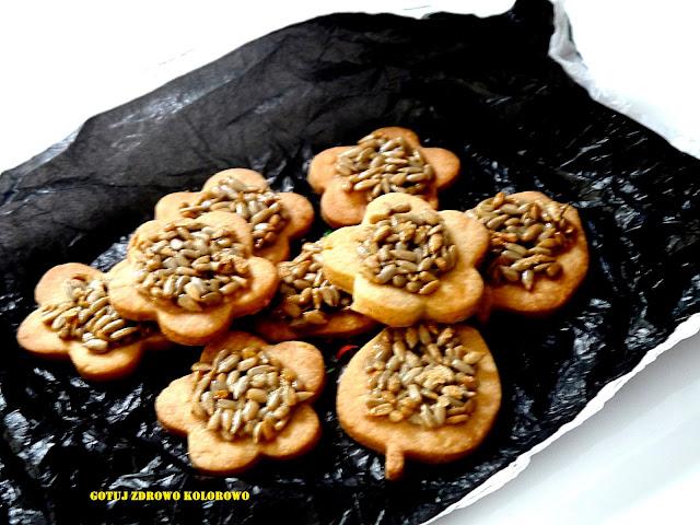 Kruche ciasteczka ze słonecznikiem - Czytaj więcej »