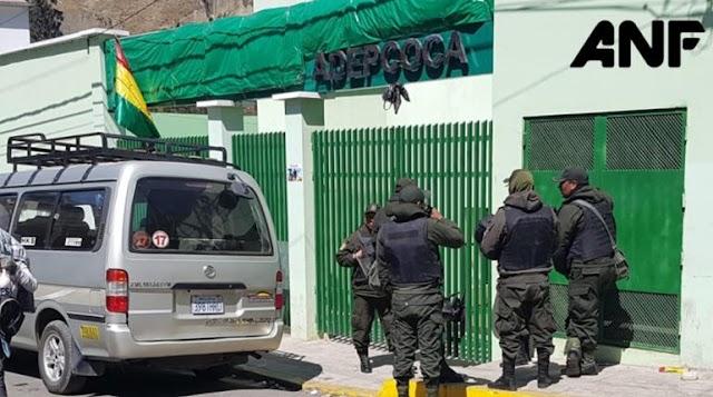 Centro médico de Adepcoca continúa como mercado ilegal de coca y con resguardo policial