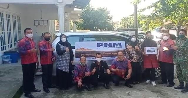 PT. PNM Persero Bagikan 25.000 Paket Sembako Kepada Nasabah Terdampak Covid-19