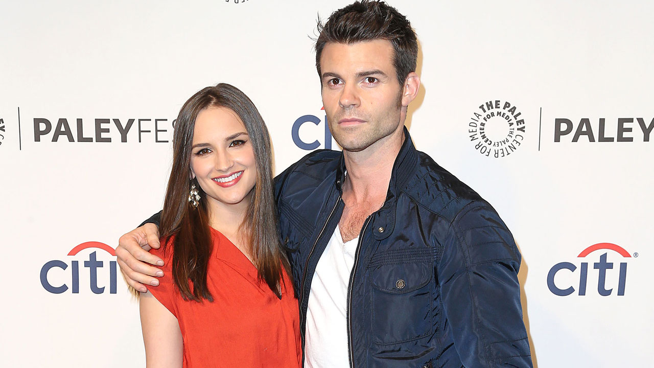 Daniel Gillies y Rachel Leight Cook