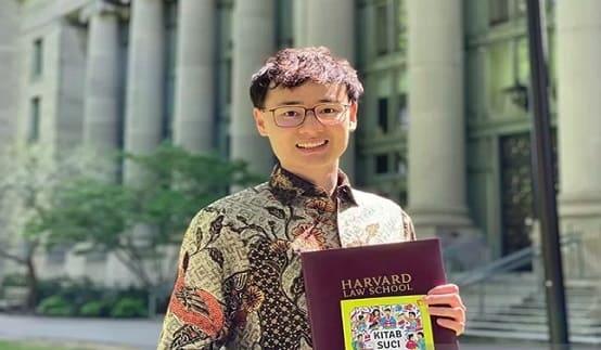 VIRAL - Andhika, Mahasiswa Riau yang Cetak Sejarah di Harvard Law School