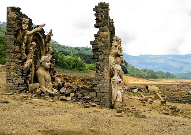 ලංකාවේ හොල්මන් නගරයක්ද...? 🙄😳😱 (A ghost town in Sri Lanka ...?) - Your Choice Way