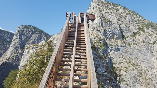 Valla Kanyonu Teras merdivenler.