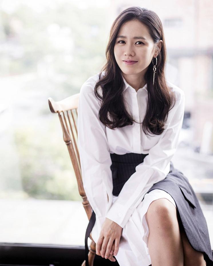 cewek manis dan seksi imtu Son Ye-jin artis korea selatan