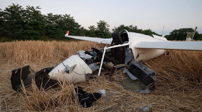 """""""Nekünk fog jönni!"""" – Kombájnnal ütközött a zuhanó repülő: mentőhelikopter vitte el a pilótát"""