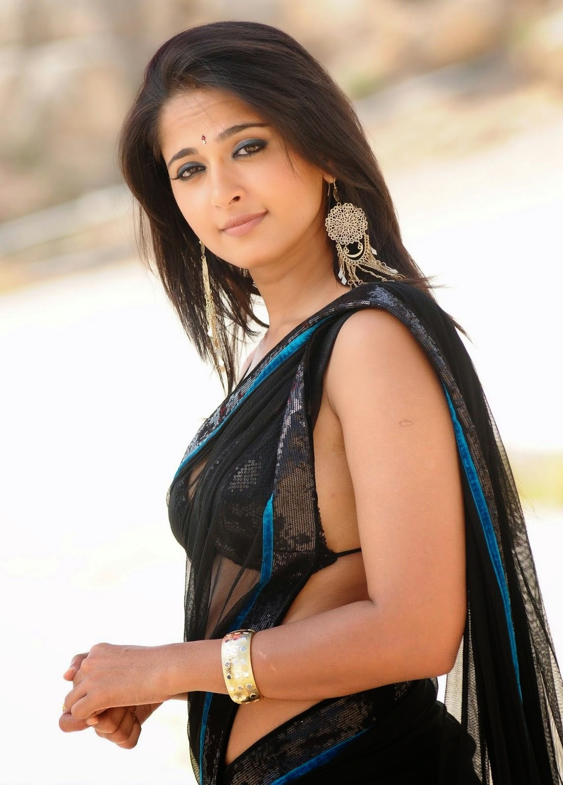 anushka shetty hot hd pics