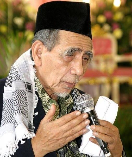 Biografi Riwayat Hidup KH Maimun Zubair