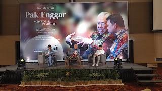 Biografi Mantan Mendag Asal Cirebon Dibuat Menjadi Buku