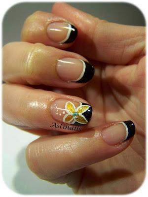 http://astinails.blogspot.fr/