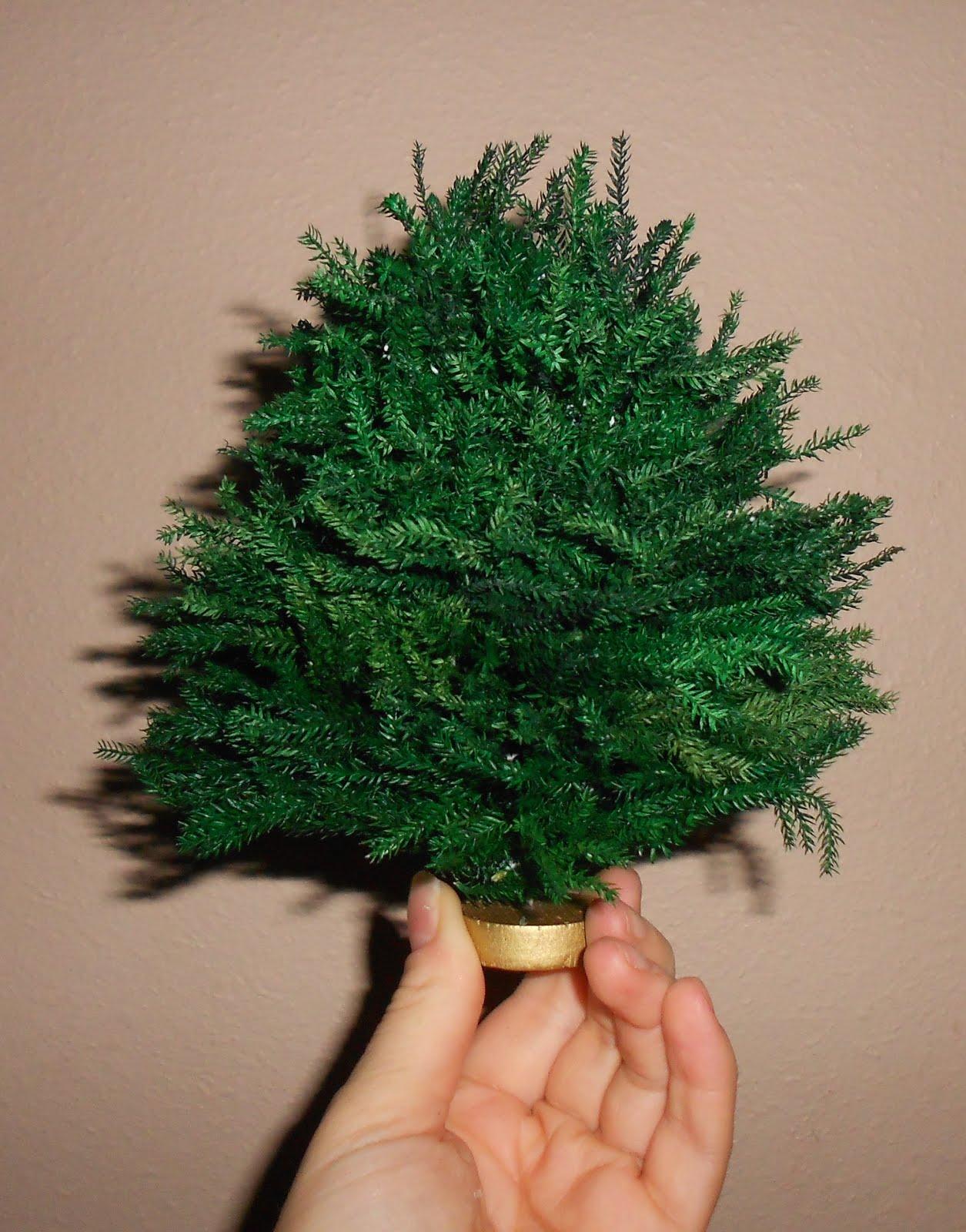 Natalia's Fine Needlework: Dollhouse Miniature Christmas ...