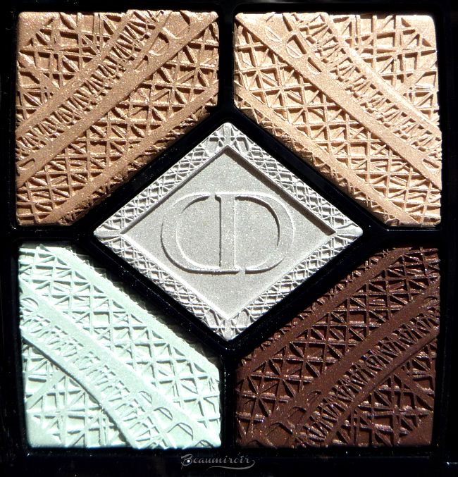 Dior Parisian Sky eyeshadow palette: closeup of the embossed pattern