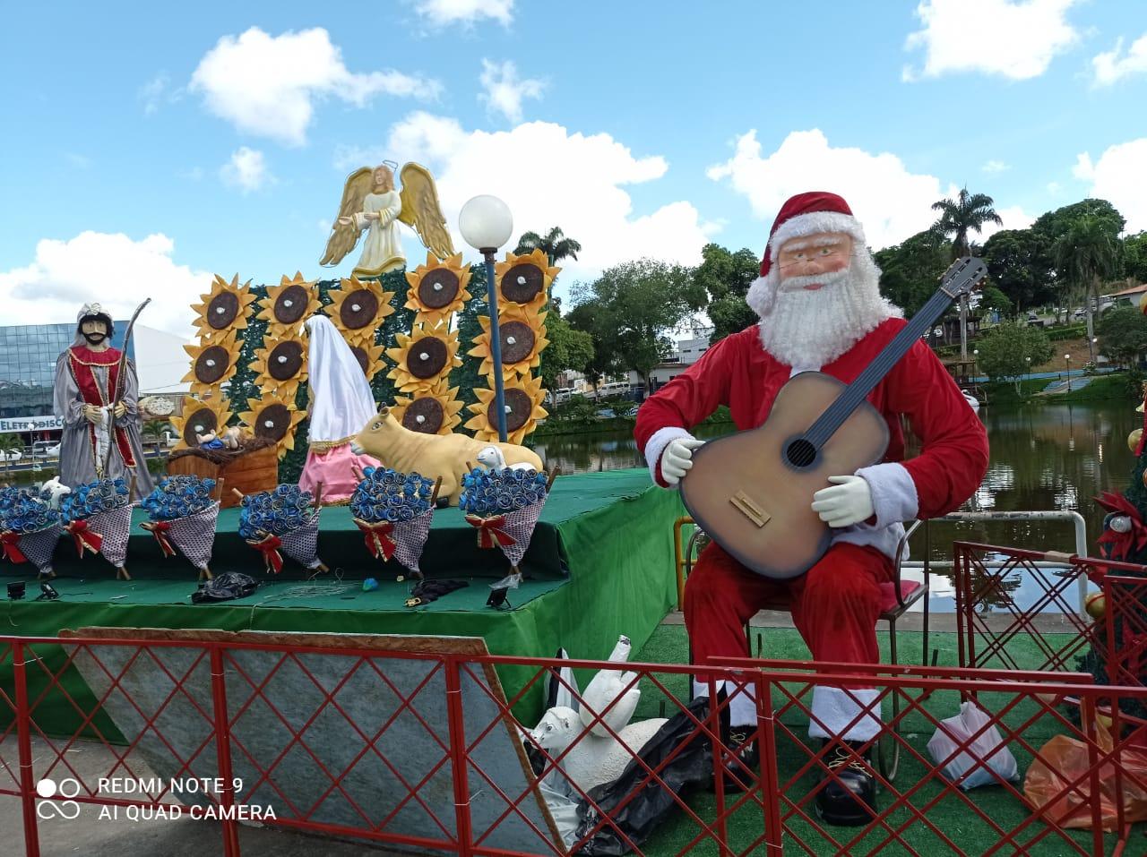 GANDU - Prefeitura conclui ornamentação natalina.