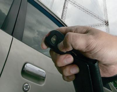 remot mobil avanza tidak berfungsi - modul alarm mobil rusak - cara setting remote alarm mobil - cara reset alarm mobil - cara memperbaiki alarm mobil yang error - alarm mobil tidak bunyi - cara menghidupkan alarm mobil - lampu led alarm mobil mati