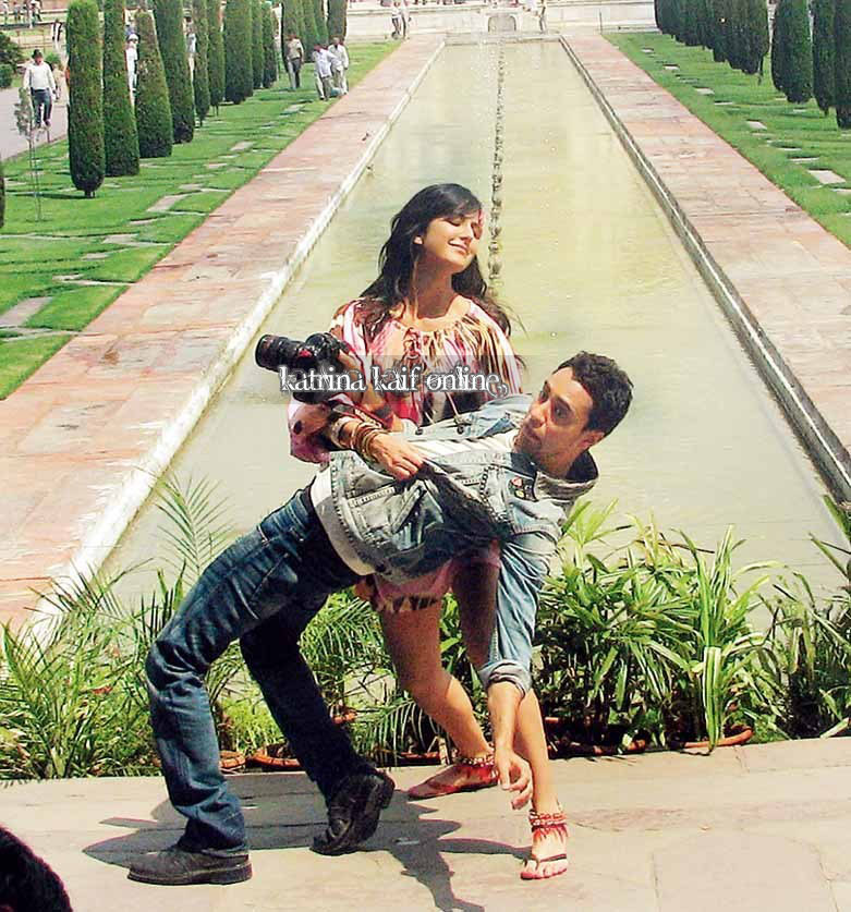Only-Katrina Mere Brother Ki Dulhan-- Behind The Scenes -8163
