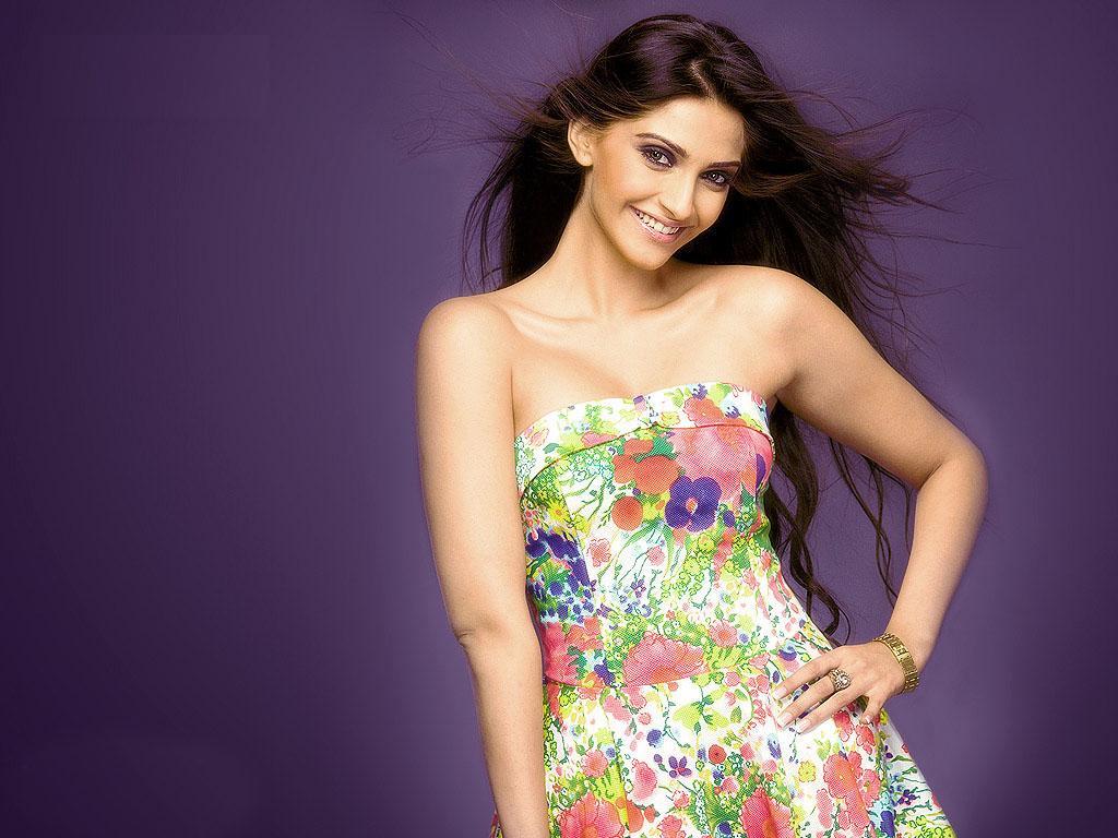 Sonam Kapoor Wallpapers: Sonam Anil Kapoor Bollywood Actress Wallpaper