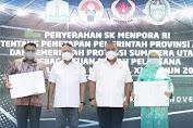 Menpora Serah SK  Tuan Rumah PON XXI Untuk Aceh dan Sumut