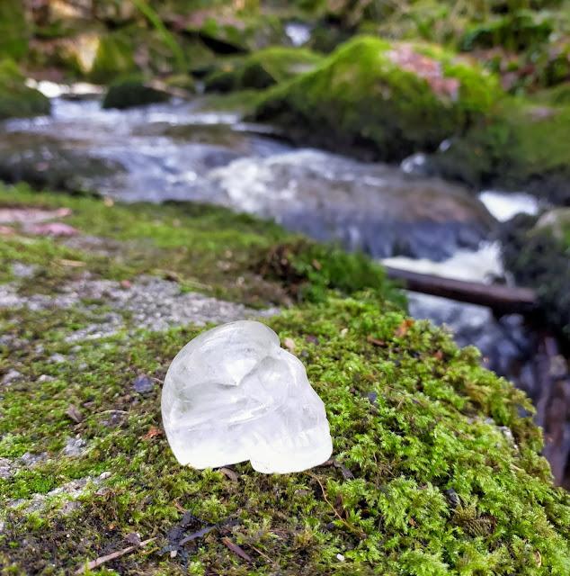 Crâne de cristal. Bretagne insolite et mystique