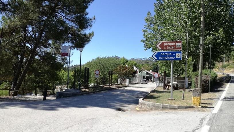 Placas do Parque de Lazer e Parque de Capismo