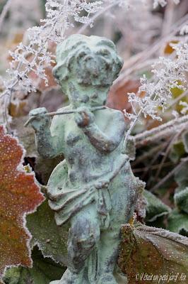 décoration jardin fonte ange a la flûte