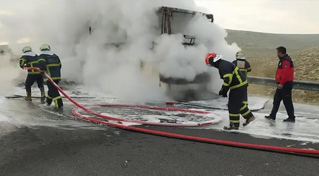 Urfa'da yolcu otobüsü yandı
