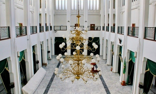interior gedung sate
