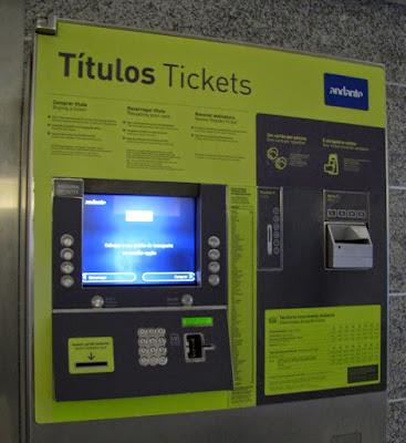 Máquinas de bilhetes do metro do Porto