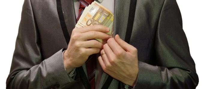 Καμία πανδημία για τις τράπεζες: «Τσέπωσαν» 600εκ. ευρώ από προμήθειες το πρώτο εξάμηνο του 2020!