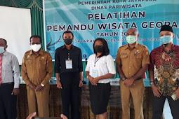 Frans Pekey Buka Pelatihan Pemandu Wisata Geopark 2020 di Kota Jayapura