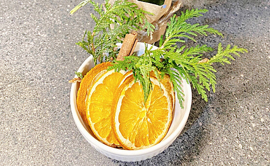 Drying Orange Slices and Holiday Scents