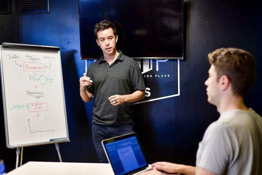 3 Alasan Pentingnya Mentor Untuk Organisasi