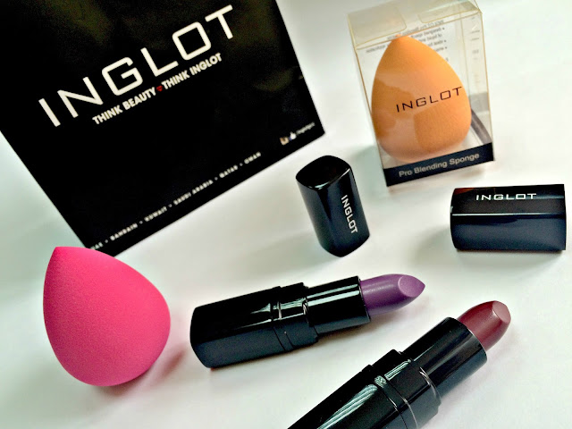 Inglot Goody Bag containing Pro Blending Sponges and Matte Lipsticks in 412 and 422