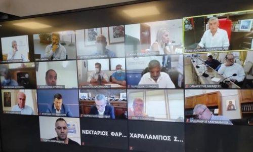 Με τους Περιφερειάρχες της χώρας τα είπε μέσω τηλεδιάσκεψης και παρόντος του Προέδρου του ΕΟΔΥ, ο Υφυπουργός Πολιτικής Προστασίας Νίκος Χαρδαλιάς.