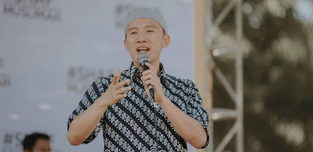 Ustadz Felix Siauw : Mohon Doakan Saudara Kita yang Suka Marah-marah dan Mempersekusi Itu