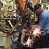Produção industrial volta a crescer em abril