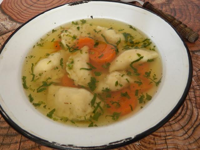 Supa de pui cu coltunasi