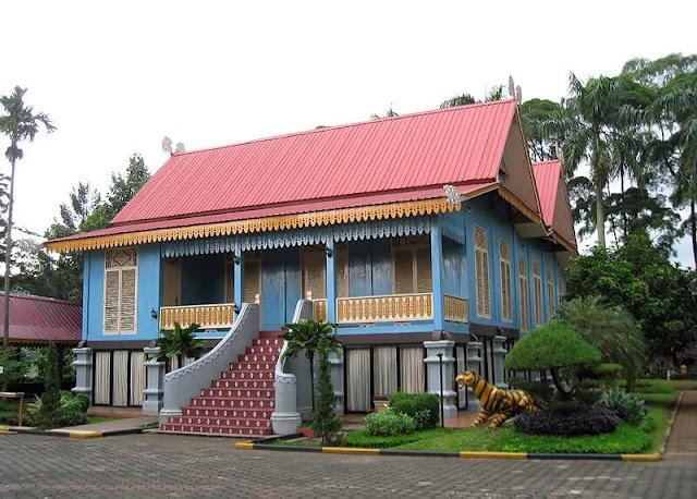 rumah-adat-melayu