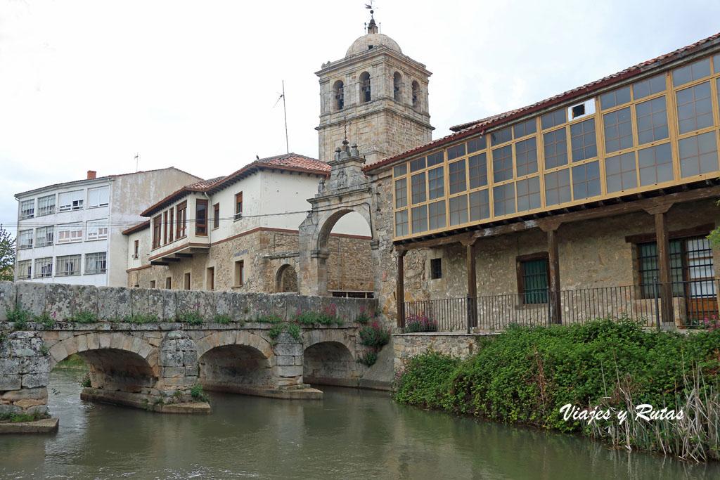 Puerta del Hospital de Aguilar de Campoo
