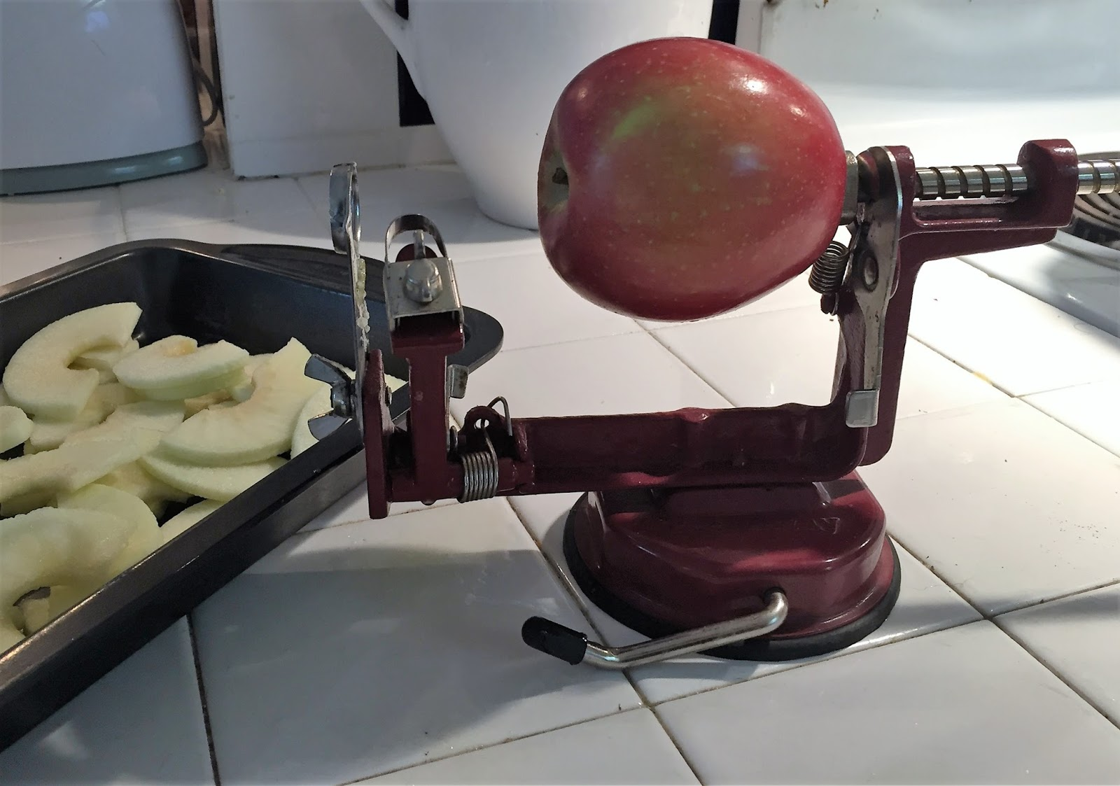 Fairwinds - Practical uses for the apple peels ...