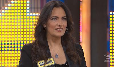 concorrente telegiornalista Safiria Leccese Avanti Un Altro 9 maggio